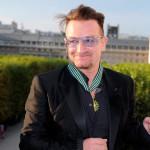 Bono-attends-Commandeur-de-lOrdre-des-Arts-et-Lettres-2087040